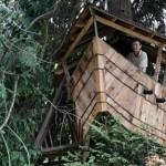 Casa da árvore em formato de navio (Foto: Divulgação)