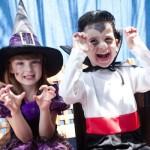 Fantasias de bruxinha e vampiro. (Foto: Divulgação)