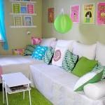 Almofadas no quarto para ganhar um colorido especial (Foto: Divulgação)