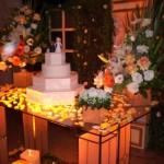 A iluminação contribui com a decoração da mesa. (Foto:Divulgação)
