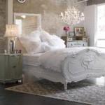 As cores brancas e pástel são muito usadas no estilo de decoração shabby chic (Foto: divulgação).