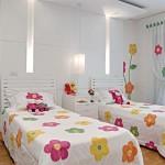 Os papéis de parede são ótimas opções para as decorações com flores de primavera (Foto: divulgação).
