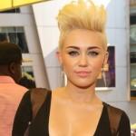 Cabelo moicano de Miley Cyrus. (Foto:Divulgação)