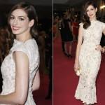 O vestido longo rendado de Anne Hathaway deixou o look delicado e leve. (Foto: Divulgação)