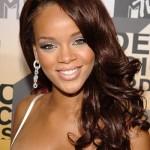 Corte 'comum' de Rihanna no início da carreira. (Foto:Divulgação)