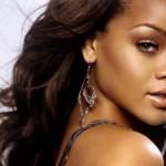 O cabelo de Rihanna no início da carreira. (Foto:Divulgação)