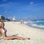 A Barbie russa tomando sol. (Foto:Divulgação)