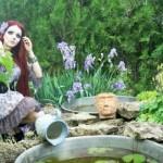 Diferente da Barbie, Anastasiya Shpagina gosta de ser fotografada em cenários melancólicos.  (Foto:Divulgação)