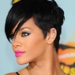 Rihanna já sofreu preconceito por ser uma mulher negra. (Foto:Divulgação)