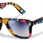 Um modelo estampado de óculos de sol com armação colorida. (Foto:Divulgação)