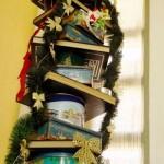Usando latas e livros (Foto: Divulgação)