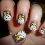 Corujinhas usadas para decorar as unhas. (Foto:Divulgação)