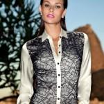 Camisa feminina com estampa que parece renda. (Foto:Divulgação)