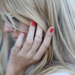 Os anéis deixam as mãos mais delicadas. (Foto:Divulgação)