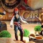 Os bonecos dos personagens deixam a mesa mais detalhada. (Foto:Divulgação)