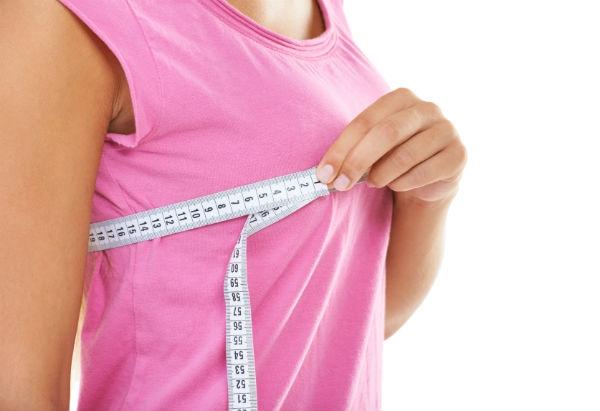 Hábitos simples podem ajudar a preservar a firmeza das mamas. (Foto:Divulgação)