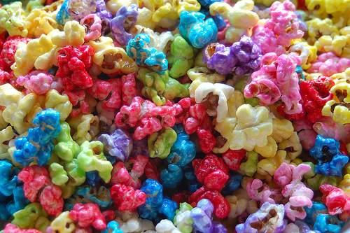 Pipoca doce colorida (Foto: Divulgação)