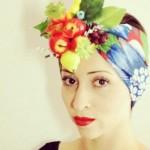 Turbante decorado com frutas. (Foto: Divulgação)