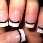 Faça francesinha para decorara as unhas no Natal (Foto: Divulgação)
