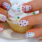 Decore as unhas com adesivos (Foto: Divulgação)