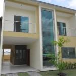 Casa de dois andares com vidros (Foto: Divulgação)