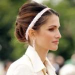 As tiaras podem ser usadas em vários tipos de cabelo. (Foto: divulgação)