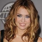 Corte de cabelo médio de Miley Cyrus. (Foto:Divulgação)