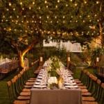 Uma linda área verde decorada para a recepção dos convidados. (Foto:Divulgação)