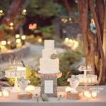 Mesa principal com o bolo de casamento. (Foto:Divulgação)