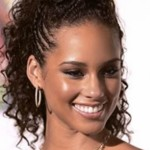 As tranças podem ser usadas nos penteados de cabelos afro. (Foto: divulgação)