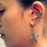 O Ear cuff é um acessório moderno e descontraído.  (Foto:Divulgação)