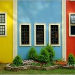 Alguns bairros são conhecidos principalmente pelas fachadas coloridas das casas.  (Foto:Divulgação)