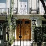 A fachada antiga é repleta de detalhes. (Foto:Divulgação)