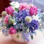 Use sua imaginação para criar arranjos de flores coloridas. (Foto: divulgação)