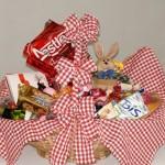 Encha a cesta com chocolates. (Foto: Divulgação)