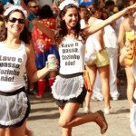 Amigas fantasiadas de diaristas para o Carnaval. (Foto:Divulgação)
