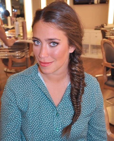 As tranças são um dos penteados mais românticos. (Foto: divulgação)