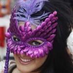A máscara é um acessório que não pode faltar no Carnaval. (Foto:Divulgação)