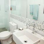 Exemplo de banheiro com espelhos (Foto: Divulgação)