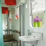 Um vaso colorido para alegrar o banheiro (Foto: Divulgação)