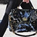 Bolsa com brilho escura. (Foto:Divulgação)