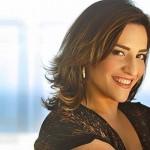 Simone Gutierrez, que participou da novela Cheias de Charme, afirma que já perdeu alguns papéis por causa do peso (Foto: Divulgação)