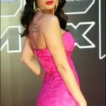 Vestido pink tomara-que-caia. (Foto:Divulgação)