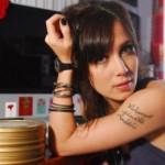 A atriz Marjorie Estiano é adepta da tatuagem árabe (Foto: Divulgação)