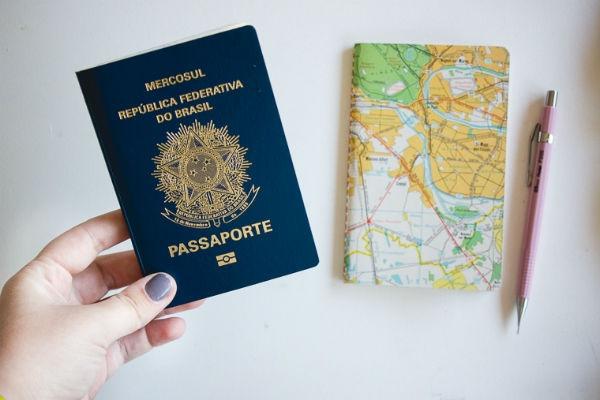 Para viagens internacionais é preciso tirar o passaporte com antecedência (Foto: Divulgação)