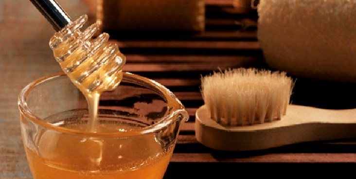 Além de contribuir com a beleza o mel é um poderoso medicamento natural (Foto: Divulgação)