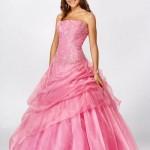 Os vestidos rosas são a preferência das aniversariantes. (Foto Divulgação)