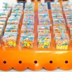 Chicletes coloridos para presentear os convidados. (Foto:Divulgação)