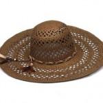 Chapéu produzido com palha, ideal par dias mais quentes. (Foto Divulgação)