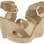 Além de leves, as sandálias feitas com palhas são muio confortáveis. (Foto Divulgação)